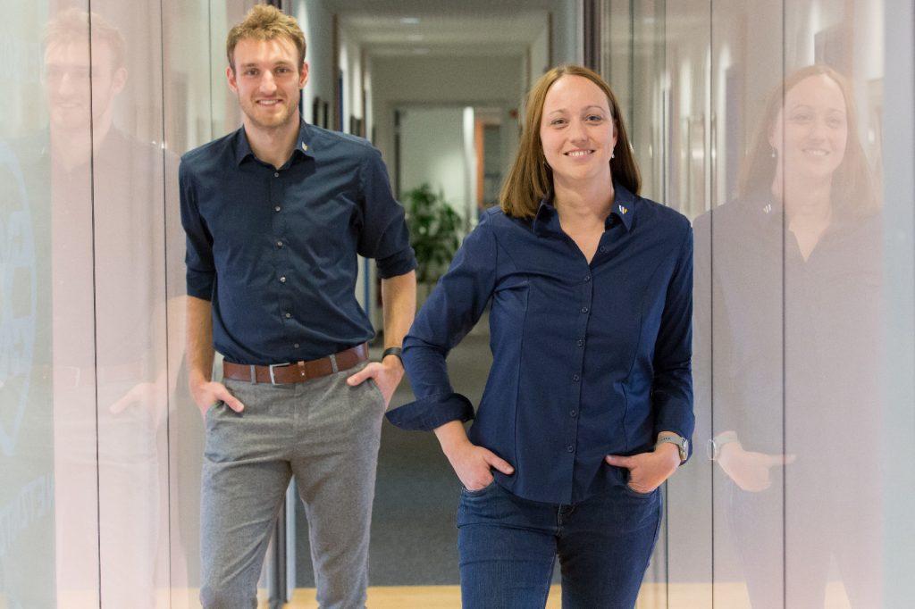 Philipp Fuss und Tatjana Lentz im Flur